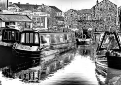 Skipton Canal Basin Art Print by Trevor Kersley