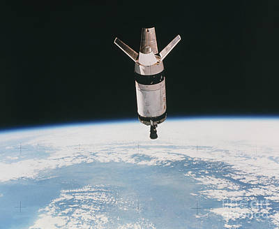 Skylab 3 Expended Second Stage In Earth Art Print by NASA / Science Source