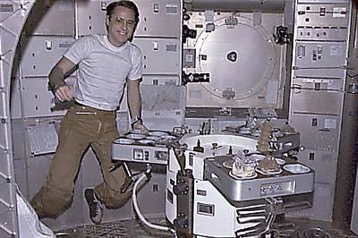 Skylab 4 Wall Art - Photograph - Skylab 4 Astronaut Ed Gibson Preparing by Everett