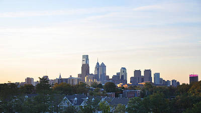 Philadelphia Skyline Photograph - Skyline View Of Philadelphia by Bill Cannon
