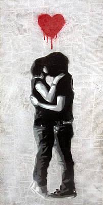 Stencil Art Mixed Media - Smooch by Tom Deacon
