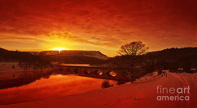 Howden Reservoir Photograph - Snow At Ladybower by Nigel Hatton