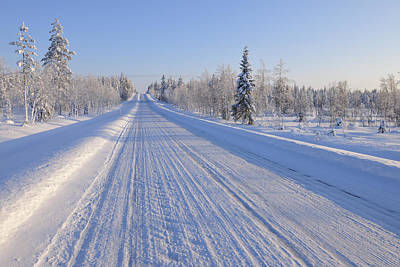 Y120817 Photograph - Snow Covered Road, Kuusamo, Northern Ostrobothnia, Finland by Raimund Linke