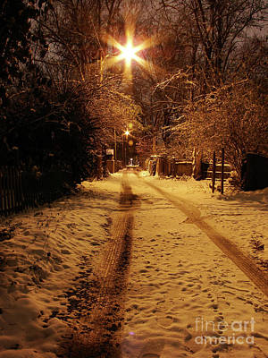 Photograph - Snowy Alley by Mark Holbrook