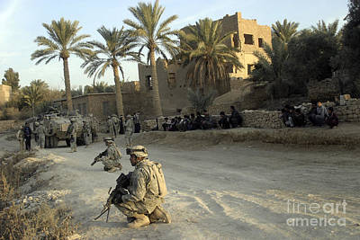 Soldiers Of The U.s. Army Provide Art Print by Stocktrek Images