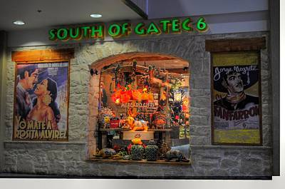 Photograph - South Of Gate C6 by Paulette B Wright