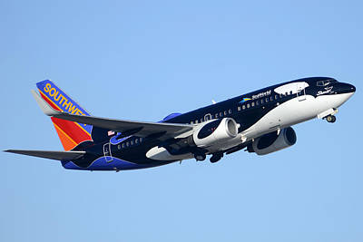 Southwest 737-7h4 N713sw Shamu Phoenix Sky Harbor Arizona December 23 2011 Art Print by Brian Lockett
