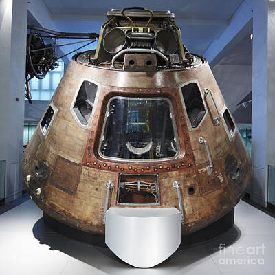Photograph - Space Capsule by Agusti Pardo Rossello