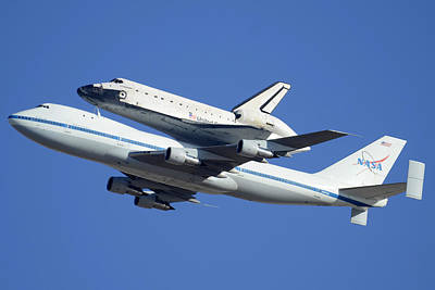 Space Shuttle Endeavour Departing Edwards Afb September 21 2012 Art Print by Brian Lockett