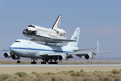 Space Shuttle Endeavour Landing At Edwards Afb September 20 2012 Art Print by Brian Lockett