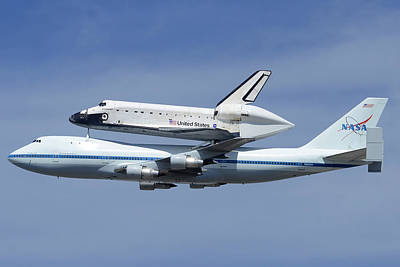 Space Shuttle Endeavour Over Lax Profile September 21 2012 Art Print by Brian Lockett