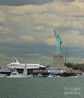 Photograph - Space Shuttle Enterprise 1 by Tom Callan