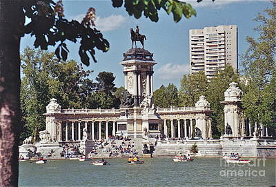 Photograph - Spanish Park by Barbara Plattenburg
