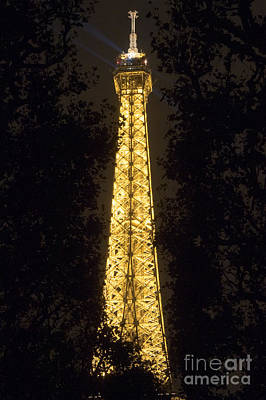 Photograph - Spire Of Eiffel Tower By Night by Fabrizio Ruggeri