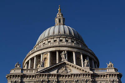Wine Corks Royalty Free Images - St pauls Cathedral London Royalty-Free Image by David Pyatt