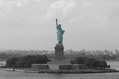 Photograph - Statue Of Liberty by George Miller