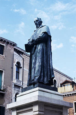 Statue Portrait Photograph - Statue Of Paolo Sarpi, Venetian Scientist by Sheila Terry