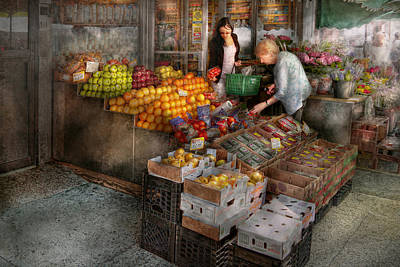 Storefront - Hoboken Nj - Picking Out Fresh Fruit Art Print by Mike Savad