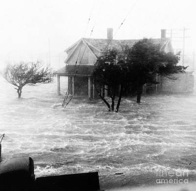 Flooding Photograph - Storm Surge During Hurricane by Science Source