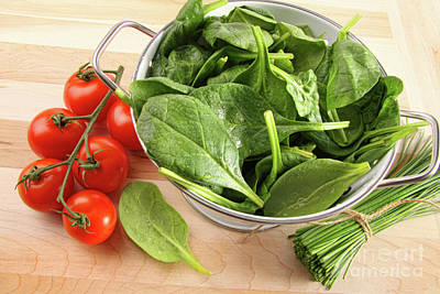 Spinach Photograph - Strainer With Spinach Leaves And Tomatoes by Sandra Cunningham
