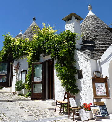 Photograph - Street Scene In Alberobello by Carla Parris