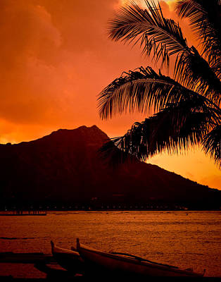 Photograph - Sunrise At Diamond Head by Mickey Clausen