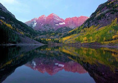 Sunrise At Maroon Bells Art Print