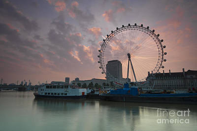 Sunrise London Eye Art Print by Donald Davis