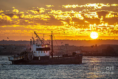 Sunset And Boat On San Diego Bay Art Print