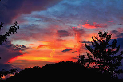 Photograph - Sunset And Red Skies by Tom Culver
