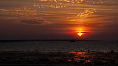 Photograph - Sunset At Mindil Beach In Darwin Australia by Zoe Ferrie