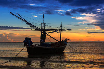 Sunset Fisherman Boat Huahin Thailand Art Print by Arthit Somsakul