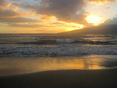 Photograph - Sunset On Maui by Marilyn Wilson