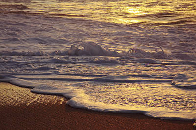 Cavataio Photograph - Sunset On Small Wave by Vince Cavataio - Printscapes