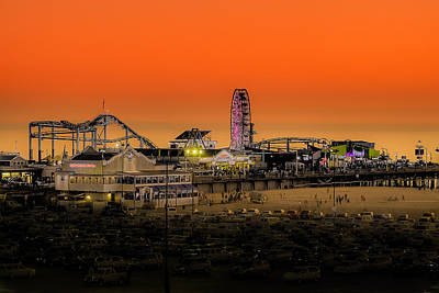 Sunset Over Santa Monica Pier Art Print by Trevor Seitz