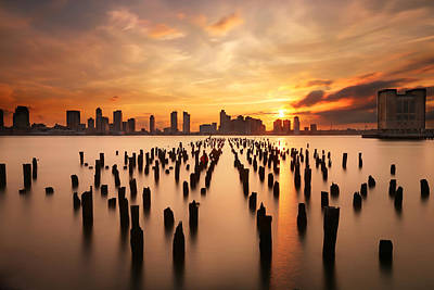 Sunset Over The Hudson River Print by Larry Marshall