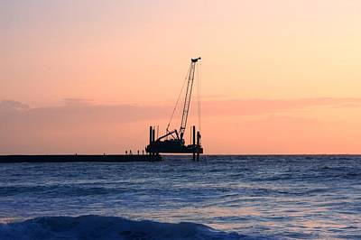 Photograph - Sunset Rig by Ed Lukas