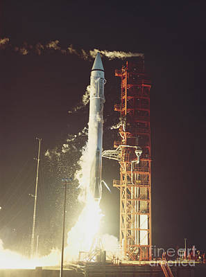 Cape Kennedy Photograph - Surveyor 3 Launch by Science Source