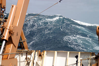 Strong America Photograph - Swells Atlantic Ocean by Science Source