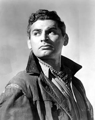 1949 Movies Photograph - Sword In The Desert, Jeff Chandler, 1949 by Everett