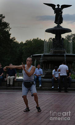 Photograph - Tai Chi In The Park by Lee Dos Santos