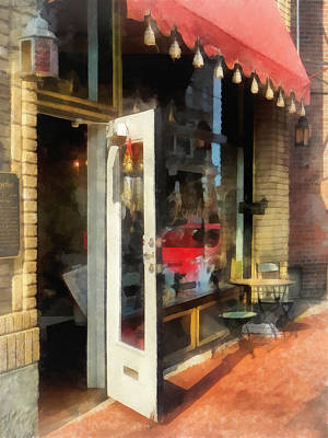 Red Door Photograph - Tea Room In Sono Norwalk Ct by Susan Savad