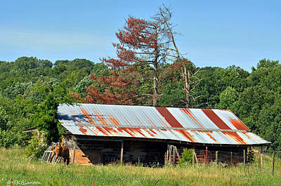 Photograph - Tennessee Barn 2 by Teresa Blanton