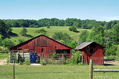 Photograph - Tennessee Barn 4 by Teresa Blanton