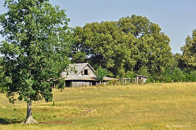Photograph - Tennessee Barn 5 by Teresa Blanton