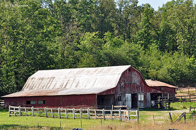Photograph - Tennessee Barn 6 by Teresa Blanton