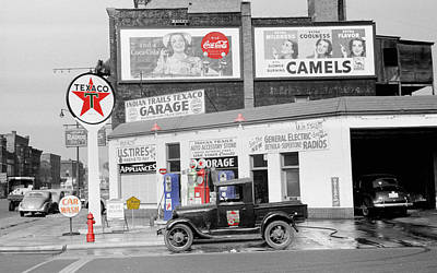 Coca-cola Sign Photograph - Texaco Station by Andrew Fare