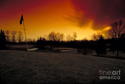 The 19th Hole Art Print by Guy Harnett