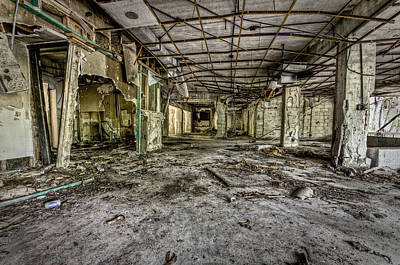 Derilict Buildings Photograph - The Abandoned Building by Noah Katz