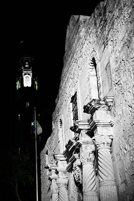 Photograph - The Alamo by Johnny Sandaire